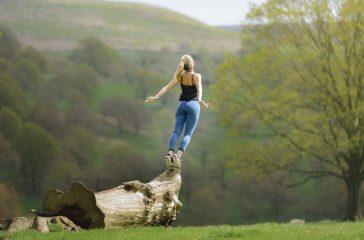 karma yoga meditation femme nature